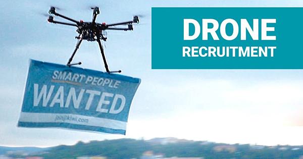 """V Brne """"lovia"""" záujemcov o prácu drony (video)"""